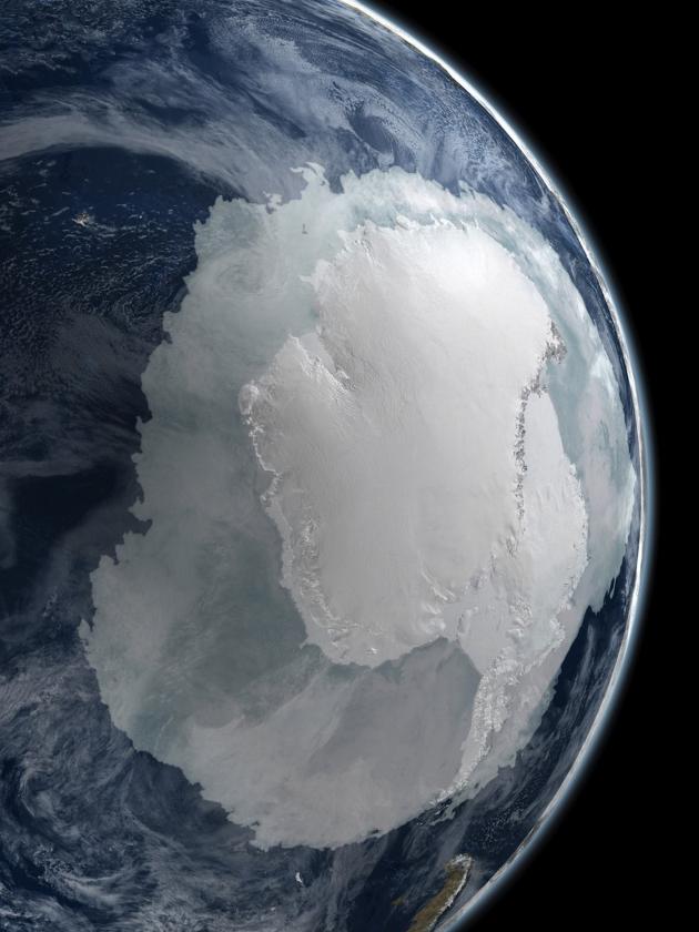 tomworks-antarctica-vanuit-de-ruimte-630x840